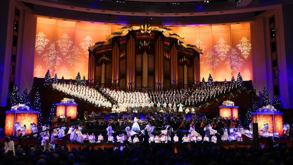 2019 Tabernacle Choir Christmas Concert Kristin Chenoweth Rings in Christmas With The Tabernacle Choir