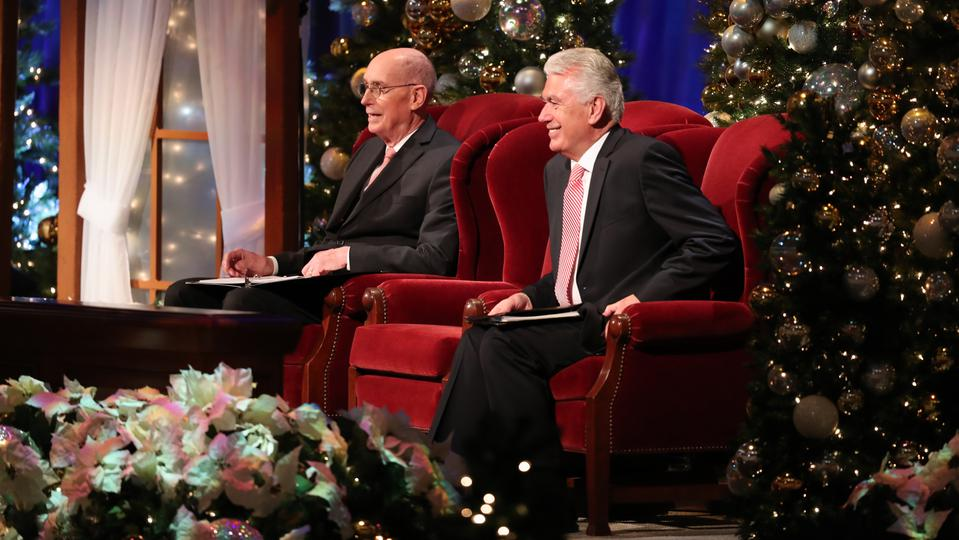 Lds Christmas Devotional.Christ S Birth Celebrated At First Presidency S Christmas