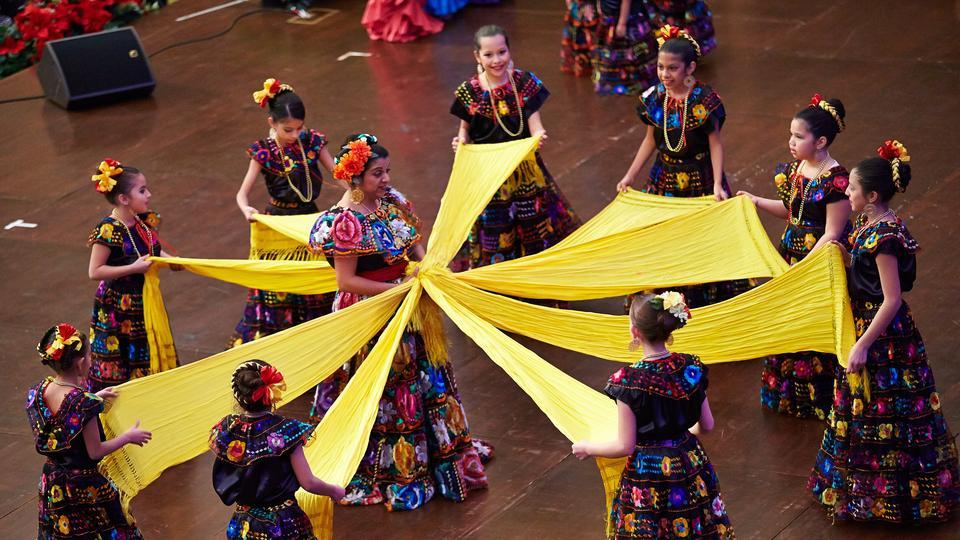 Christmas In Latin America.Latin America Christmas Program On Temple Square Celebrates