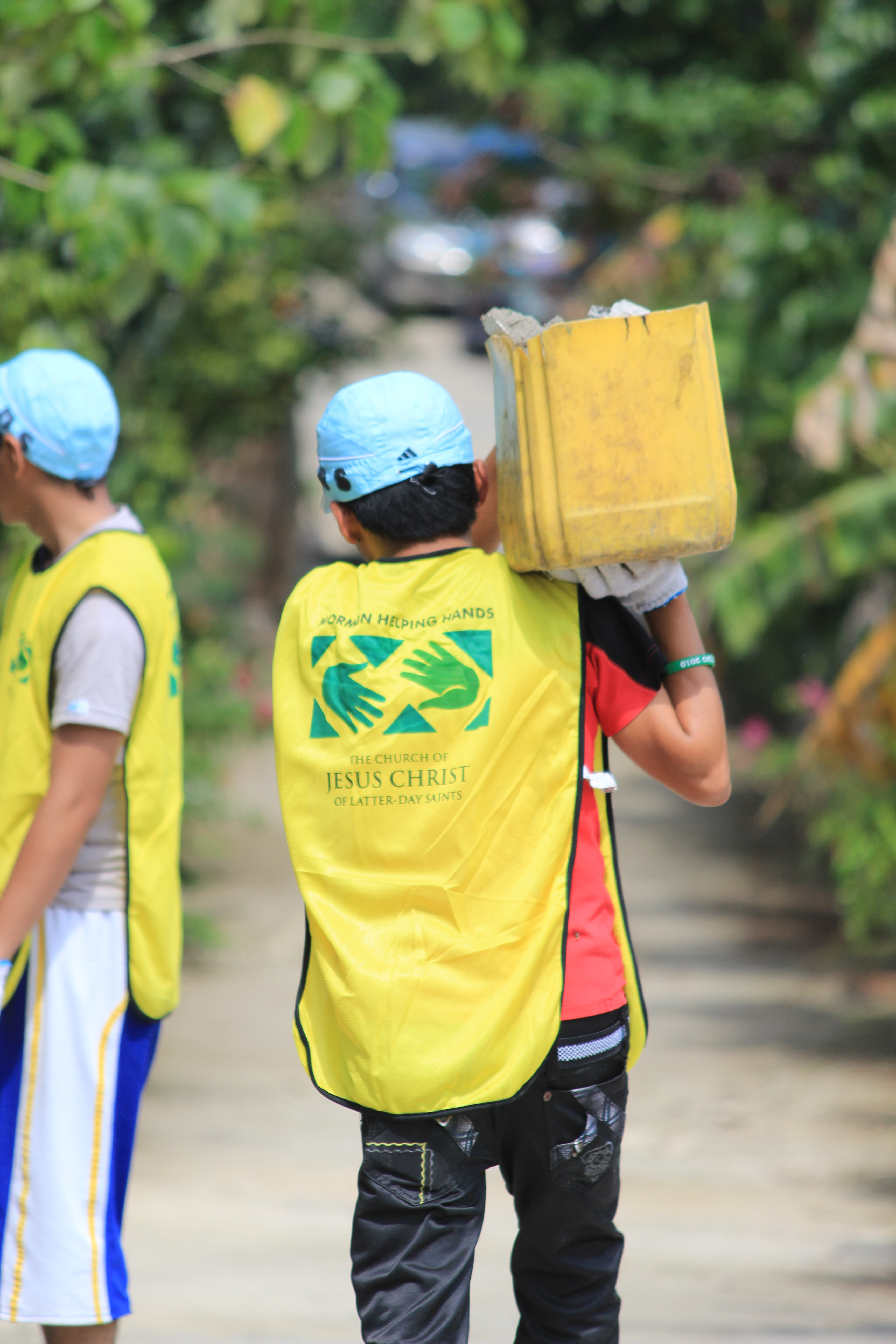 Philippines earthquake cleanup2