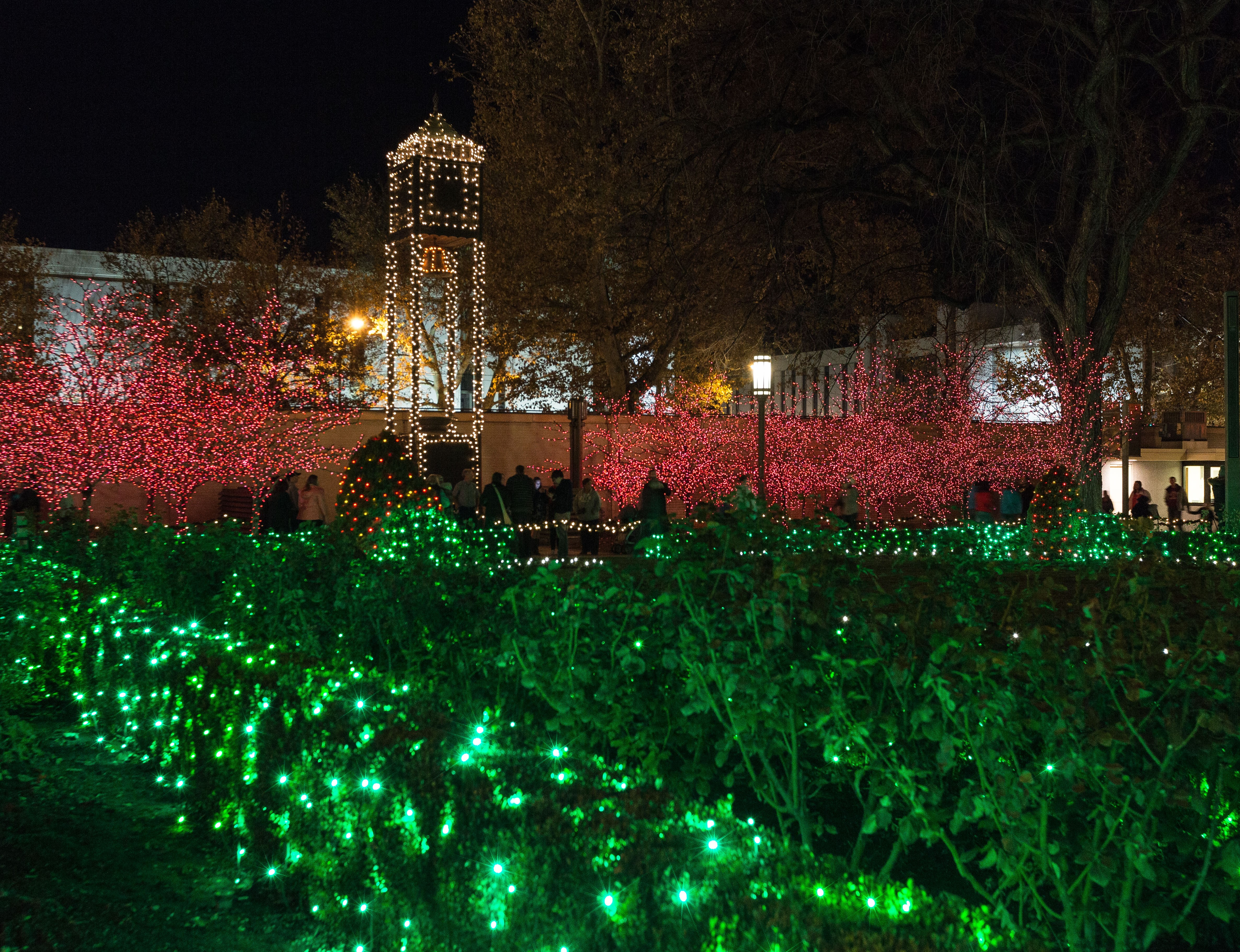 Temple Square lights26 2014